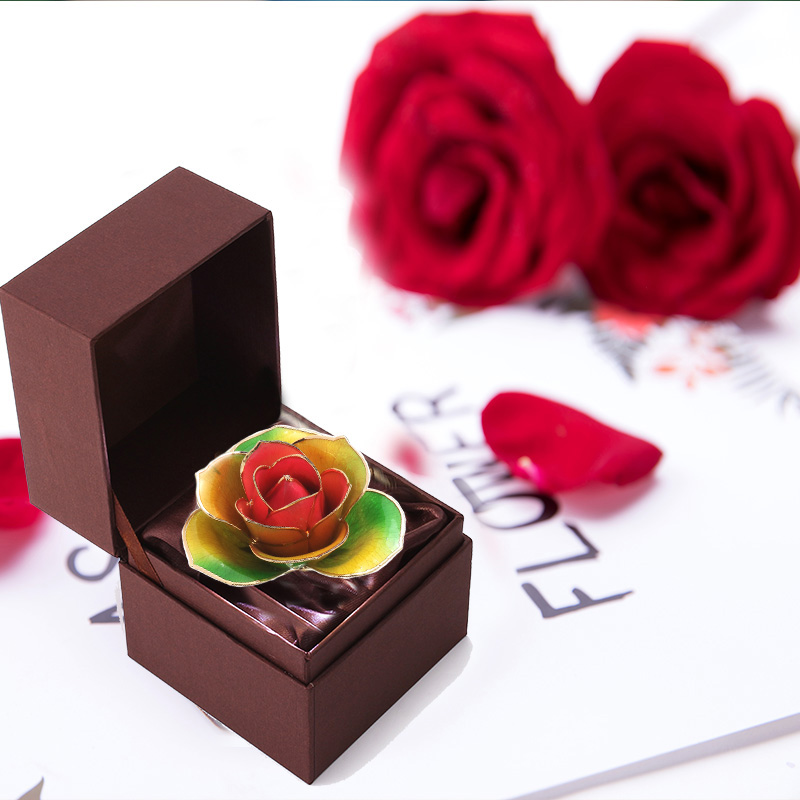Love Is The Only Color of Gold Roses (natural Rose)